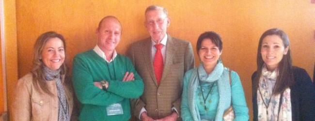 Dr.Gallardo y la Dra. Prieto junto al profesor Van der Linde